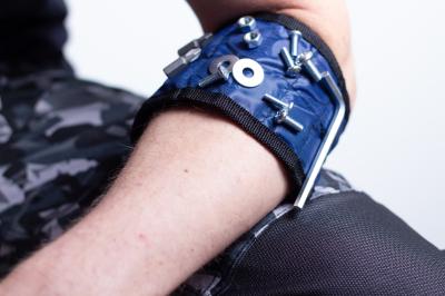 pásek magnetický na zápěstí 41,5 x 8,5 cm - N903868